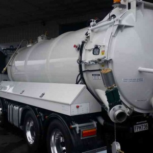truck-mounted-vacuum-tank-te10_2k-cook-and-galloway